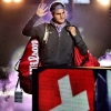 Roger Federer plays the violin. Pics, video & GIFs from new Credit Suisse ad. - last post by Poorna